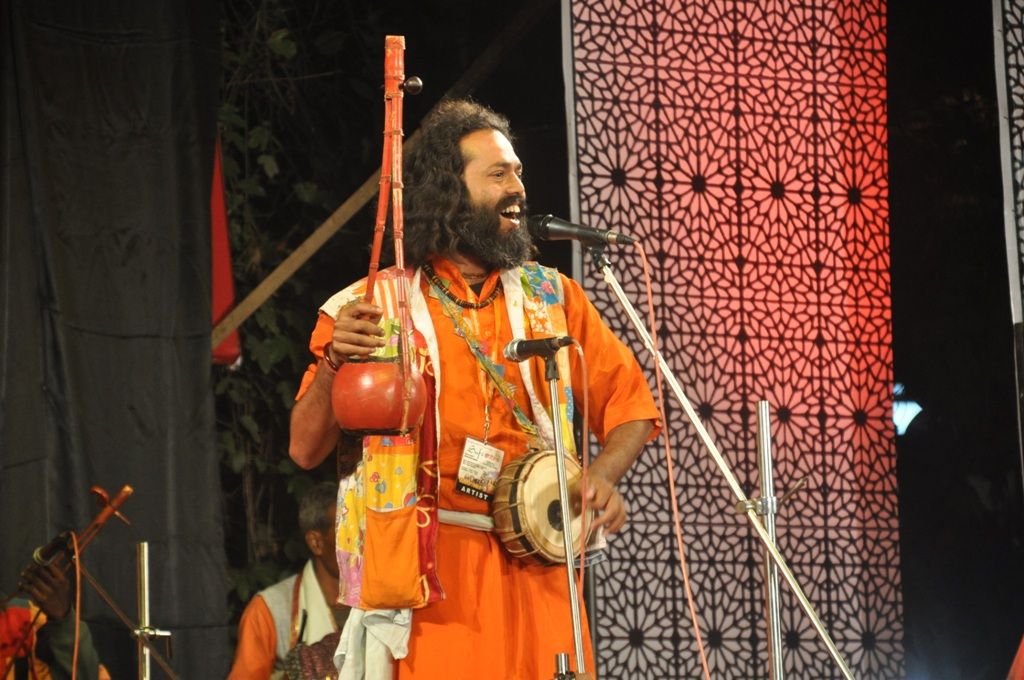 Shyam Khyapa performing at Sufi Sutra 2012, Kolkata