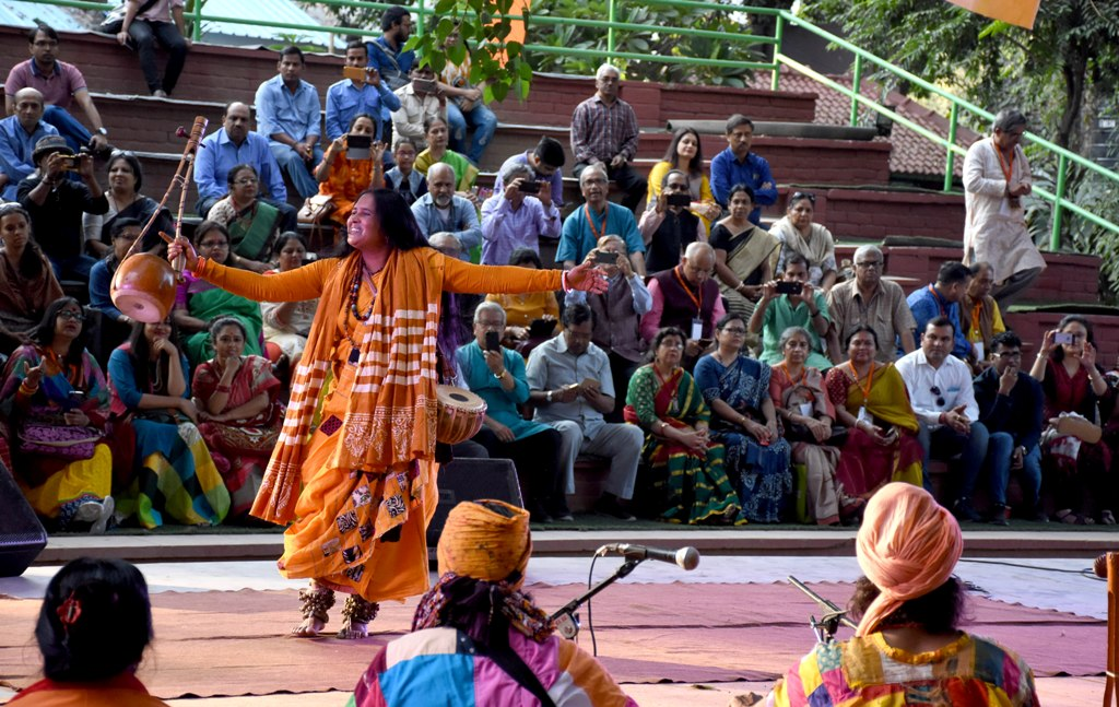 Rina Das performing at Baul Fakiri Mela Delhi